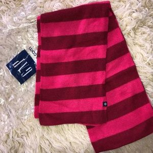 GAP striped scarf  70% lambswool/New in bag